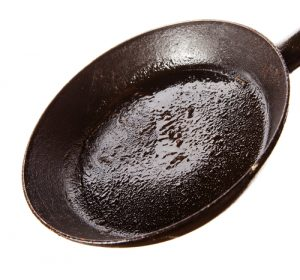 Poêle à frire avec graisse
