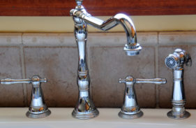 How to Replace Your Kitchen Sink Sprayer