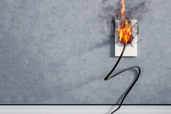 electrical outlet burning