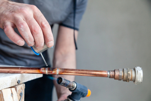 Fixing a pinhole leak in copper pipe